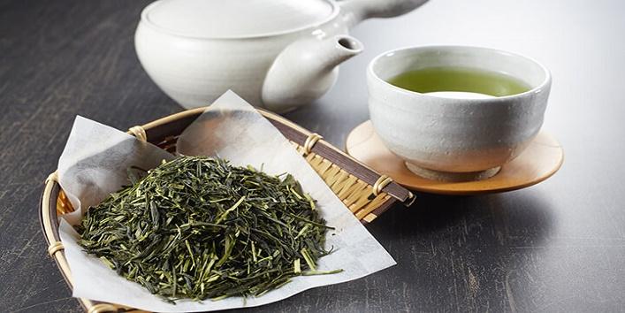 Green tea with aloe vera gel