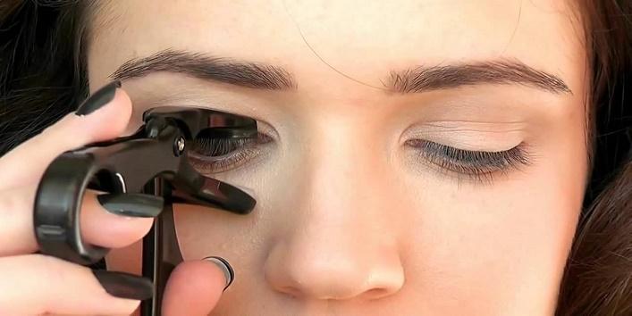 Enhance your eyelashes