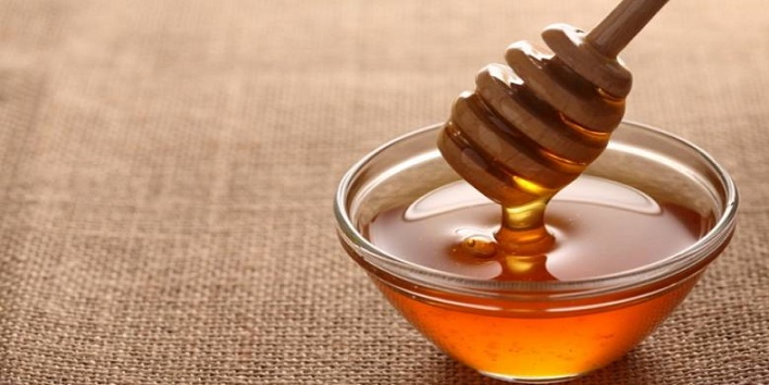 Oil and honey mask