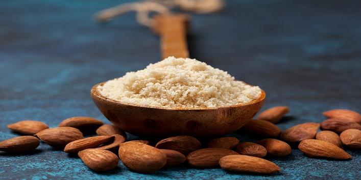 Almond powder and honey