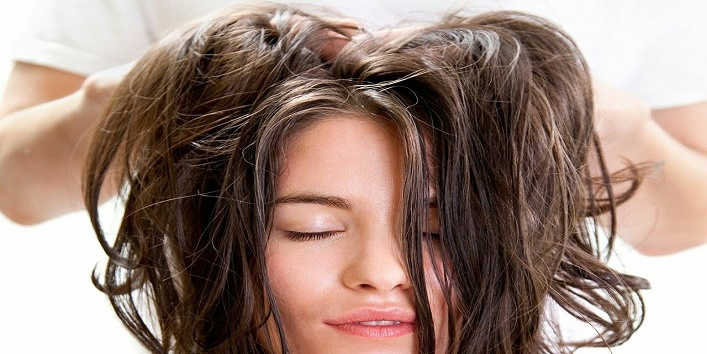 Oiling your hair