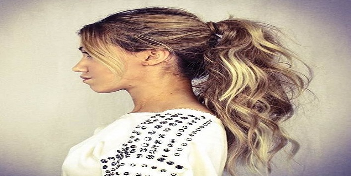 Curled up messy ponytail