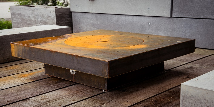 Remove rust from furniture