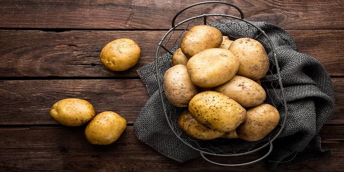 Potato juice pack for removing dead skin cells