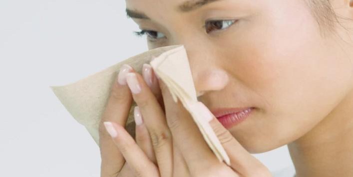 Treats oily skin