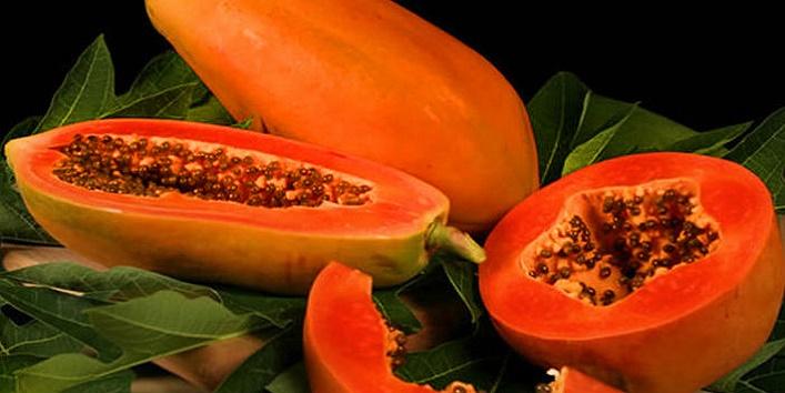Papaya pulp and honey