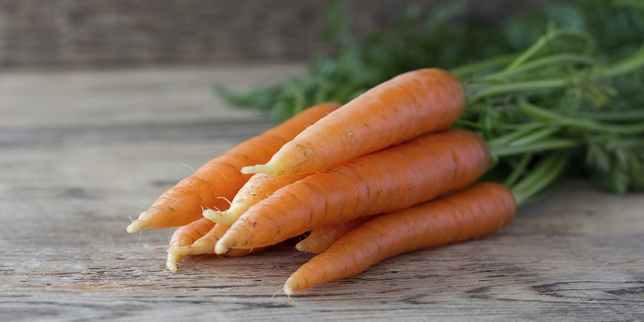Carrot face pack for exfoliating skin